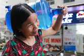 Sở TN&MT tỉnh Hòa Bình ở đâu khi hàng trăm ngàn người dân Hà Nội phải dùng nước bẩn?
