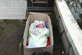 Bé trai 2 tháng bị bỏ rơi trong thùng giấy cùng 'tâm thư'