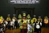 Dòng người tiễn biệt Thứ trưởng GD&ĐT Lê Hải An
