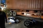 Được cậu đón đi học về, 2 cháu bé bị xe container cán thương vong