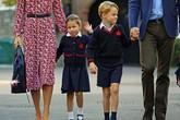 Charlotte thích được chú ý, George có tố chất lãnh đạo