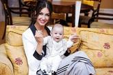 Người đẹp Oksana nhận được bao nhiêu tỉ đồng từ cựu Vương Malaysia để nuôi con trai?