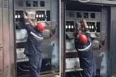 Trạm biến áp phát nổ kinh hoàng, thợ điện thoát chết trong gang tấc