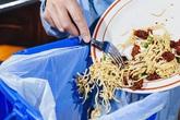 4 loại thực phẩm làm tăng nguy cơ gây ung thư mà gia đình nào cũng dễ gặp, nên hạn chế hết sức có thể