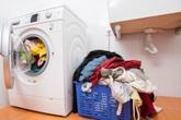 Có một bước cực kì quan trọng trước khi cho quần áo vào máy giặt nhưng mọi người thường quên