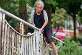 Hà Nội: Có nhà, có con cháu, cụ bà 74 tuổi vẫn thích sống tạm bợ dưới gầm cầu