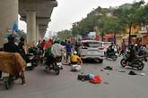 Hà Nội: Xế hộp mất lái tông trúng hàng loạt xe máy, nhiều người bị thương nặng