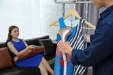 Tại sao bàn ủi hơi nước đứng BlueStone khiến các ông chồng siêng ủi đồ cho vợ?