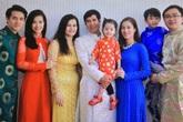 Gia đình Đông Nhi nghiêm khắc dạy dỗ và trở thành điểm tựa trong sự nghiệp của con gái như thế nào?