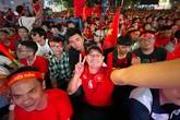 Nghệ sĩ Việt vỡ òa cảm xúc khi U22 Việt Nam viết nên lịch sử tại SEA Games 30