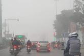 Hà Nội: Sương mù bao phủ từ sáng sớm khiến người dân lo ngại đến sức khỏe