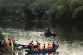Lật thuyền khi vãn cảnh sông, hai cha con thiệt mạng