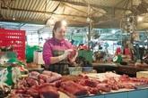 """Thịt lợn tăng giá kỷ lục, nhiều mặt hàng cũng bắt đầu """"leo"""" giá"""