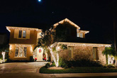 Chẳng mấy khi ở nhưng Đàm Vĩnh Hưng vẫn vung tiền trang trí biệt thự ở Mỹ thật lộng lẫy dịp Noel