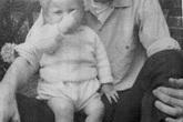 Bức ảnh cũ gần 50 năm được đăng trên Facebook đã tố cáo tội ác man rợ của người cha dượng với con riêng của vợ