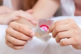 Cách tránh thai an toàn, giảm thiểu tình trạng nạo phá thai ở giới trẻ hiện nay