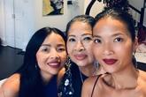 Mẹ đẻ sang Singapore thăm vợ chồng Bằng Lăng