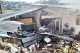 Xe bồn chở bê tông mất lái, tụt dốc đâm sập nhà bên đường, 1 người bị thương