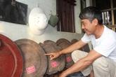 Người bỏ hơn 30 năm sưu tầm hàng trăm mâm gỗ cổ, chỉ để dùng 1 lần dịp Tết