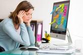 Ngồi máy tính nhiều, cô gái ngã quỵ khi đứng dậy: BS nói đó là dấu hiệu bệnh tiền đình