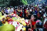 Đầu năm, người dân đi lễ chùa như một phong trào?