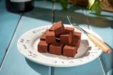 Ngất ngây với những hộp chocolate tự làm gây bão mạng xã hội của cô gái 9x Hà Nội