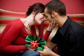 Cách ứng xử khôn ngoan khi chàng không tặng quà Valentine