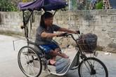 Người phụ nữ 20 năm ngồi xe lăn vẫn tự nuôi mình