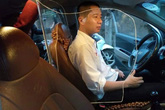Tài xế taxi tự lắp khoang bảo vệ đề phòng bị cướp, giết có bị xử phạt?