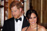 """Hoàng tử Harry có dấu hiệu """"chán vợ"""", hối hận khi không nghe lời anh trai cưới Meghan Markle"""