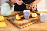 Muốn giảm mỡ thừa, cân nặng bằng mật ong, hãy áp dụng ngay những mẹo đơn giản này