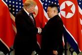 """ẢNH: Ông Donald Trump và ông Kim Jong-un tươi cười bắt tay, ca ngợi nhau """"can đảm"""" và """"tuyệt vời"""""""