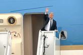 Tổng thống Trump đã lên máy bay về nước