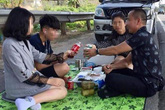 Gia đình mở tiệc trên cao tốc Nội Bài - Lào Cai xin lỗi cộng đồng mạng