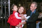 Bố mẹ vợ Tuấn Hưng đến chúc mừng sinh nhật cháu gái tại biệt thư mới sang chảnh của con rể