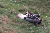 Đi tập thể dục, người dân phát hiện nam thanh niên nằm tử vong dưới bờ đê