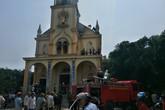 Một nhà thờ ở Hà Tĩnh cháy lớn thiêu rụi nhiều tài sản