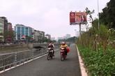 """Con đường dài nhất Thủ Đô trở thành """"lối đi tắt"""" cho xe máy giờ cao điểm"""