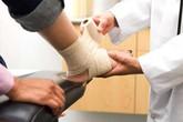 Tàn phế vì bỏ qua chấn thương cổ chân khi thể dục, chơi thể thao