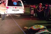 Đứng xem tai nạn xe hơi, 32 người bị xe tải tông chết
