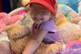 Bé 2 tuổi bị ung thư buồng trứng, cảnh báo dấu hiệu nguy hiểm cha mẹ không nên bỏ qua