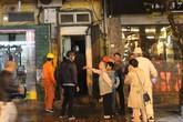 Hà Nội: Cháu bé chạy thoát thân khỏi vụ hỏa hoạn trên tầng 2 ở phố Bát Đàn