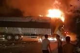 Thanh Hóa: 2 người chết cháy trong cabin sau khi đâm xe liên hoàn