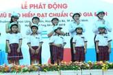 TP.HCM: Phát miễn phí hơn 1.000 mũ bảo hiểm cho học sinh và giáo viên