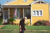 Mua nhà là khoản đầu tư tồi tệ
