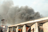 Bình Dương: Cháy lớn tại công ty sản xuất các sản phẩm từ gỗ, toàn bộ nhà xưởng bị thiêu rụi