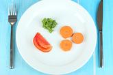Sai lầm kinh điển khi giảm cân: Cố tình ăn ít vào buổi trưa khiến cân nặng tăng vù vù?