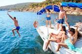 Nhân viên tàu du lịch tiết lộ chuyện quan hệ với khách tăng thu nhập