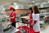 Hà Nội: Điều tra khẩn vụ 17 học sinh Tiểu học Thanh Xuân Bắc nghi rối loạn tiêu hoá sau bữa ăn ở trường