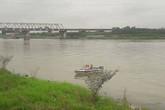 Bắc Ninh: Nữ sinh lớp 12 nhảy xuống sông Đuống tự tử
